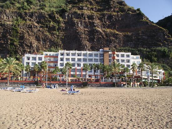 Hotel Calheta Beach : L'hôtel vu de la plage