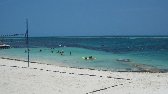 Corto Maltes Ocean Front Luxury Vacation Condos: playita
