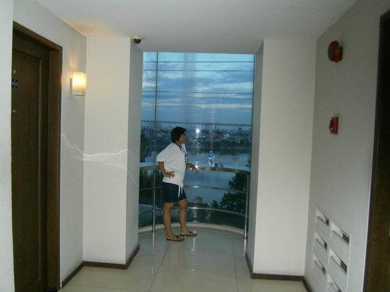 The Kchrysant Hotel : floor 6 hallway