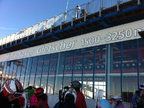Hotel Sonne: Funicular Glaciar