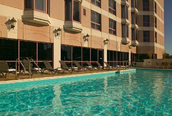 Sheraton Suites Country Club Plaza: Exterior Pool