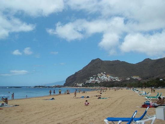Santa Cruz de Tenerife, España: Spiaggia Las Teresitas 2