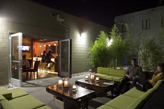 1313 Main : The patio outside