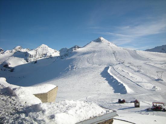 Albergo Livrio: Panorama piste da sci