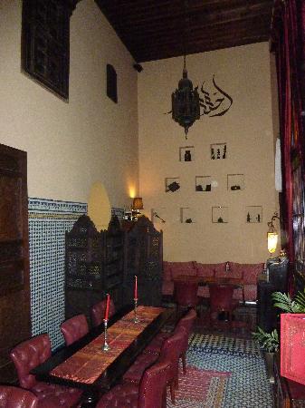 Riad Le Calife: winter dining area