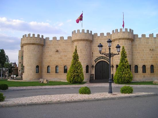 Hotel Castillo Bonavia: the castle