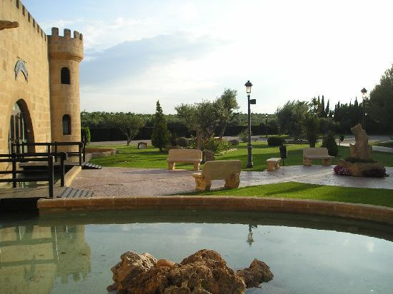 Pedrola, Spain: gardens