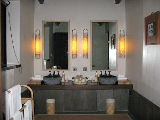 Amanfayun : Bathroom