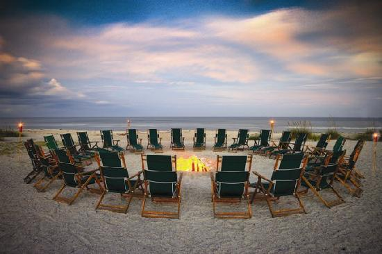 Omni Amelia Island Plantation Resort: Beach fires