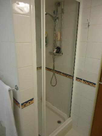 Excelsior Hotel London: Shower
