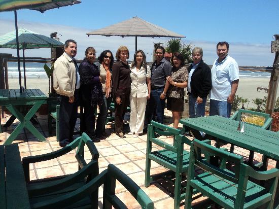 Los Pelicanos Restaurant & Bar: Festejando con amigos