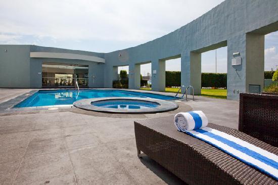 Holiday Inn Express San Luis Potosi: Alberca