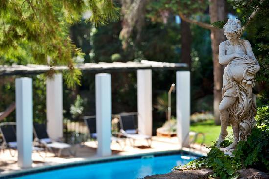 Casa Vela Guest House: Garden View