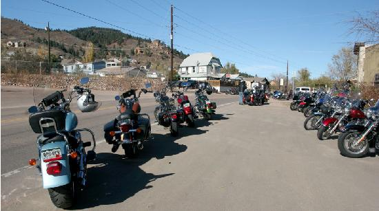 O'malley's Steak Pub : It Takes a lot of Bikes to fill the Street