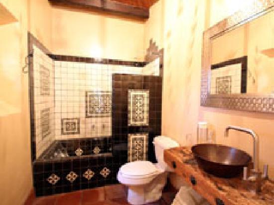 Casa Werma: Agave Suite washroom
