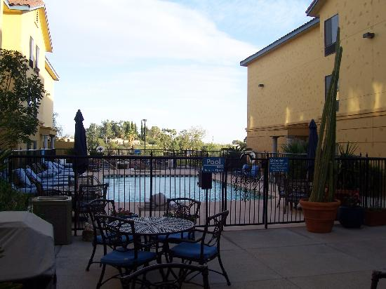 Hampton Inn and Suites Tucson-Mall : Pool