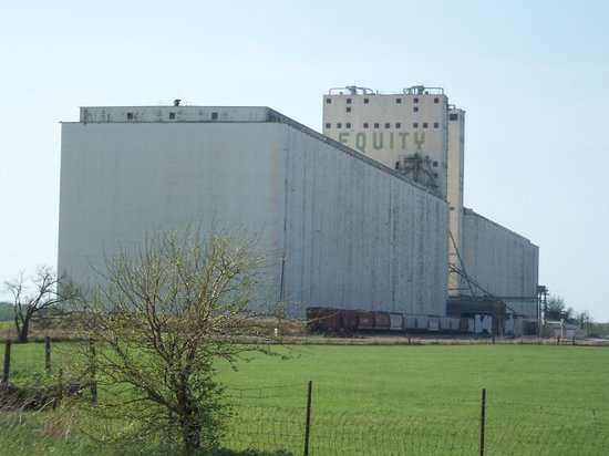 Several rail lines were needed to serve the huge grain elevators in Enid, Oklahoma