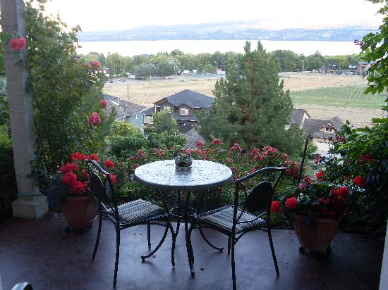 Apple Blossom Bed & Breakfast: On the patio!