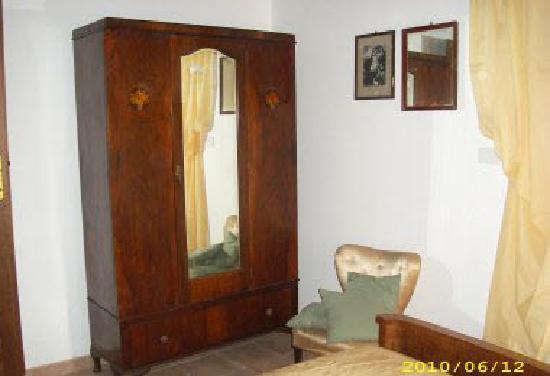 Palazzetto Leonardi: Ambienti raffinati e mobili d'antiquariato