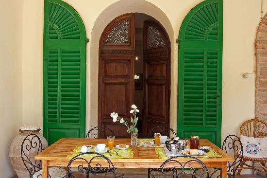 Bed and Breakfast La Lastra : La colazione