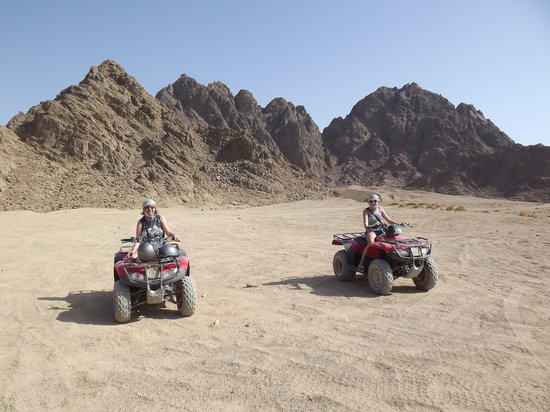 Sharm Solutions Day Tours: Quod biking in the desert