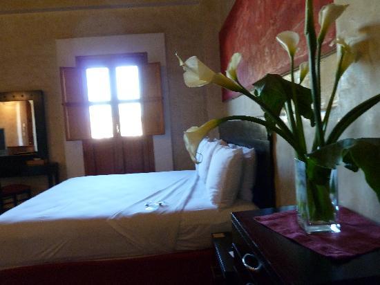 Casa Catrina: rojo room