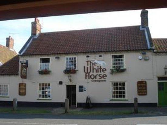 White Horse Chedgrave: The White Horse, Chedgrave