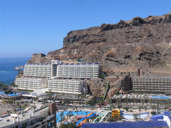 Cala Blanca: view from glass lift