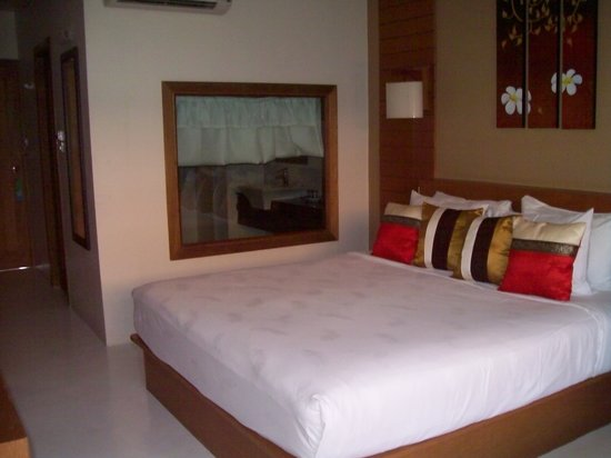 Vieng Lanna Mantra: Huge bed - superior room