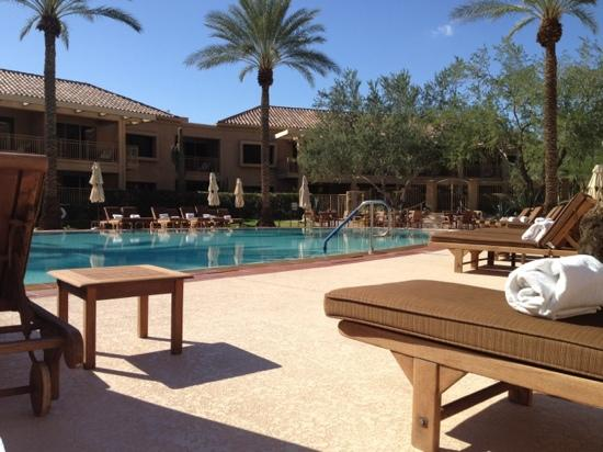 The Canyon Suites At The Phoenician: the pool and the suites building