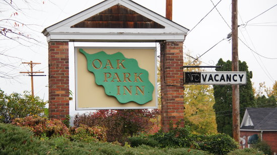 Oak Park Inn: Entrance