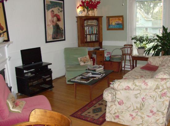 Bee & Bee ~ Bed and Breakfast: A place to kick back and relax.