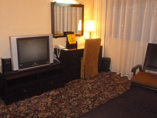 Jannat Regency Hotel : TV with English-language cable channels