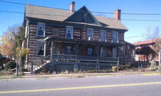 Wytheville, Wirginia: 1776 Log House Restaurant