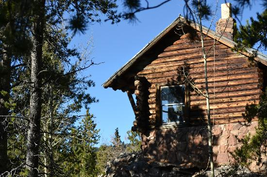 Pioneer Guest Cabins: Warming hut at top of Mtn.