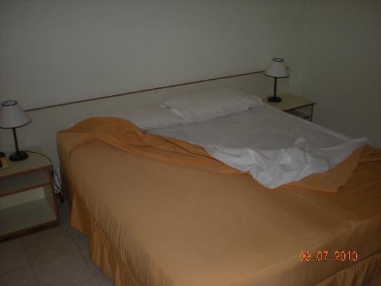 Apart Hotel Riviera : bed