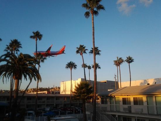 聖地亞哥機場/哈勃爾6號汽車旅館照片