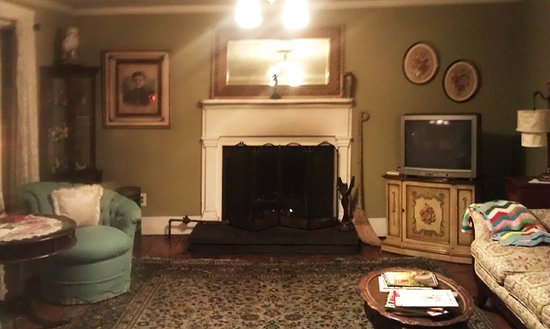 The York House Inn: Poor quality due to night & phone camera, but this is the common sitting room, and the fireplace