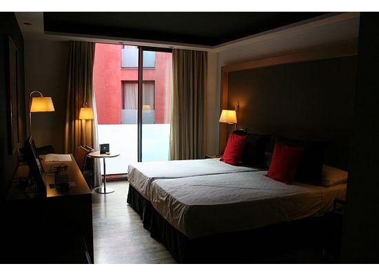 bedroom - picture of hotel jazz, barcelona - tripadvisor