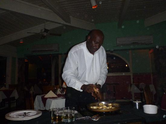 Chez Le Caribe: The start of the bananas foster show!