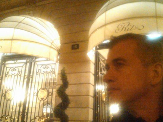‪‪Ritz Paris‬: The Ritz, front door‬