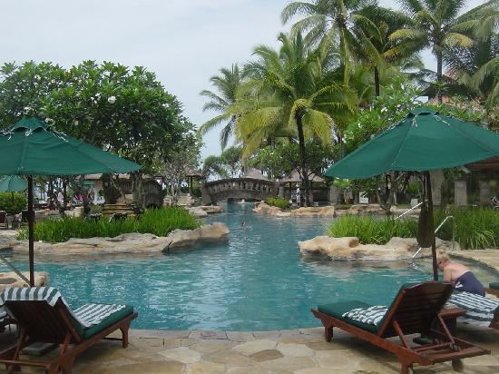Pan Pacific Nirwana Bali Resort: 広いプール