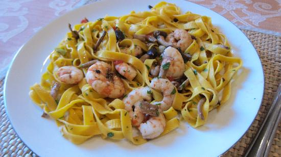 Cook Italy: Tagliatelle and tiger prawns