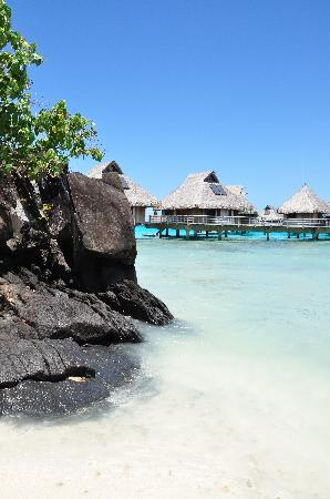 Hilton Bora Bora Nui Resort & Spa: Lava Rocks