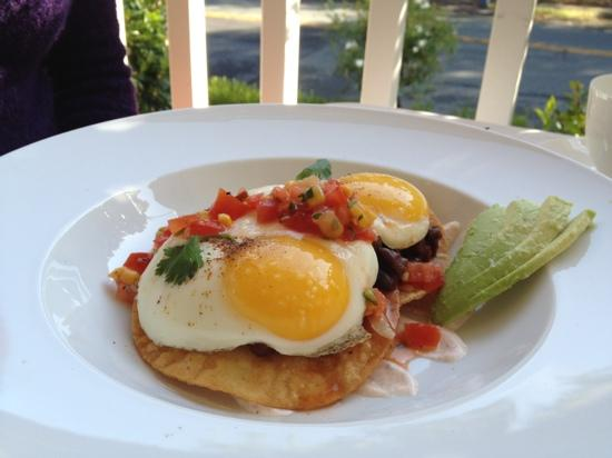 Luxe Calistoga: Sunday juevos rancheros, fresh OJ and French pressed coffee