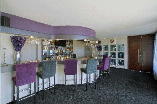 Berghof Guest House: Cigar Lounge and Bar