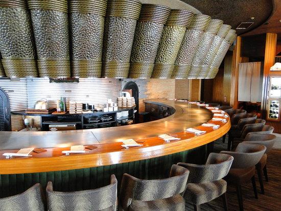 Mon cher ton ton Shinjuku: Bar seating