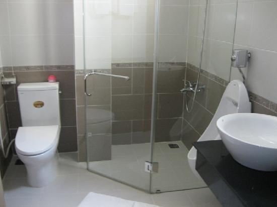 Hai Son Hotel: toilet