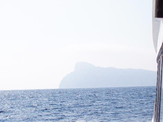 Capri day Tours: Capri from the bay