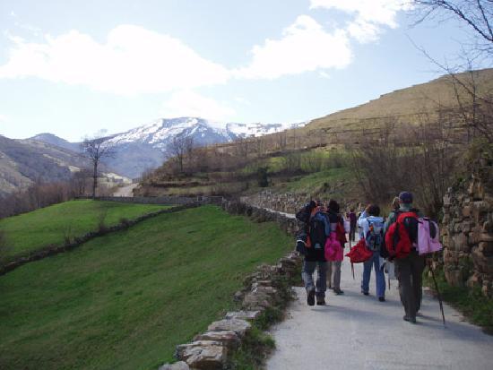 San Sebastian de Garabandal, Španělsko: ruta por el monte